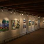 På endevæggen ses Finleifs mere abstrakte billeder